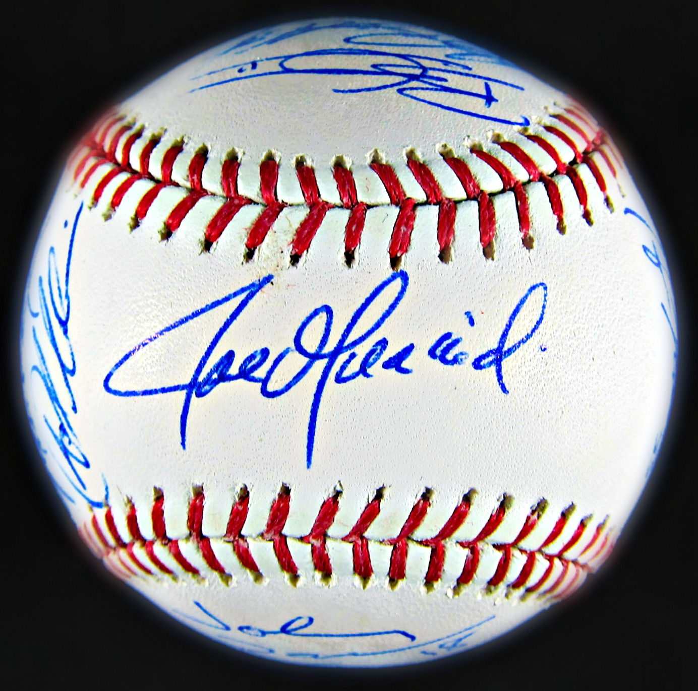 baseball memorabilla What is my sports memorabilia worth view our authentication guide for your sports cards, jerseys and autographed items at heritage auctions.